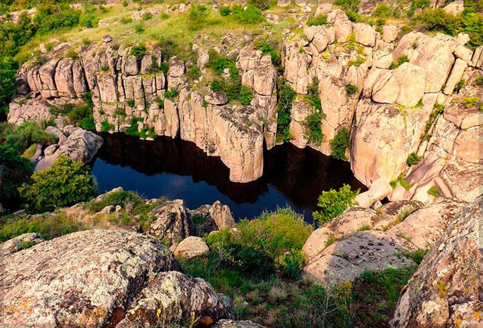 В Долине Дьвола - множество отличных мест с неприступными скалами