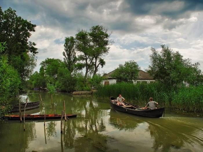 Вилково = Украинская Венеция: рыбалка, фрукты и каналы
