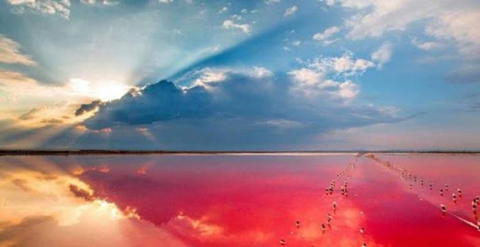 Лемурийское озеро. Соленостью не уступает Мертвому морю