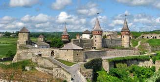 """Украинский """"Хогвартс"""", дворцы, пещеры и каньоны: 12 ярких достопримечательностей нашей страны"""