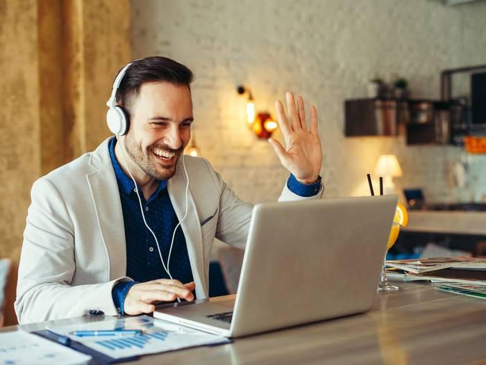 Как сделать рабочее место дома комфортным — слушай правильную музыку