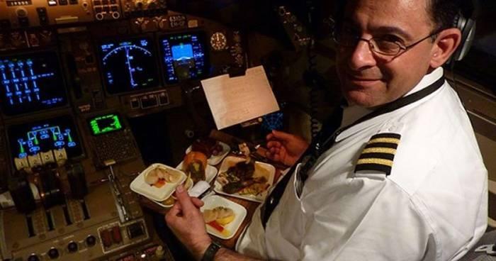 Пилоты употребляют разную пищу — чтобы одной и той же едой не отравились оба