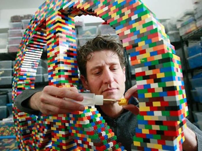 Собирать Lego за деньги — это не шутка, реальная профессия