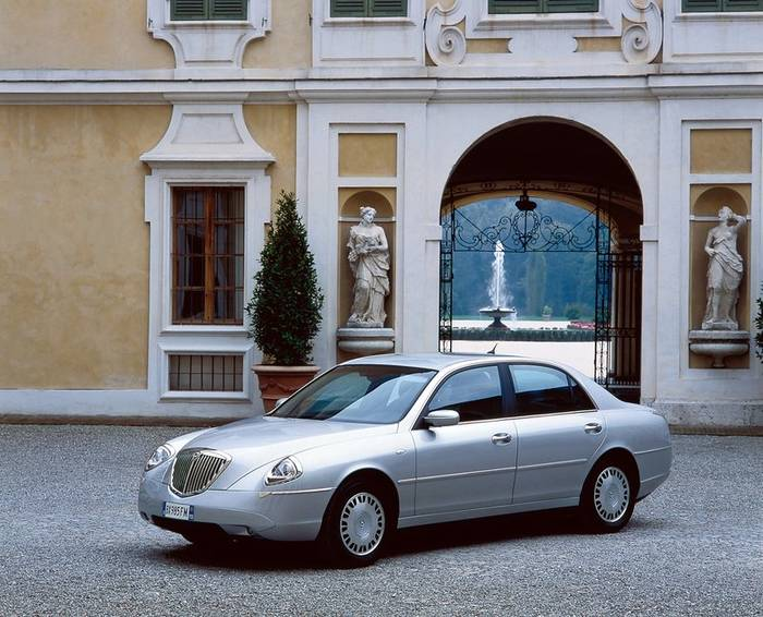 Lancia Thesis (2001−2009)