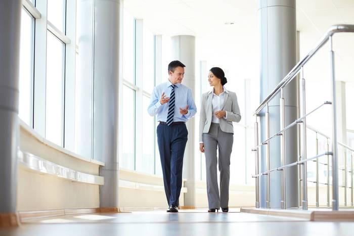 Как достичь концентрации внимания — прогуляйся по офису. Можно в приятной компании