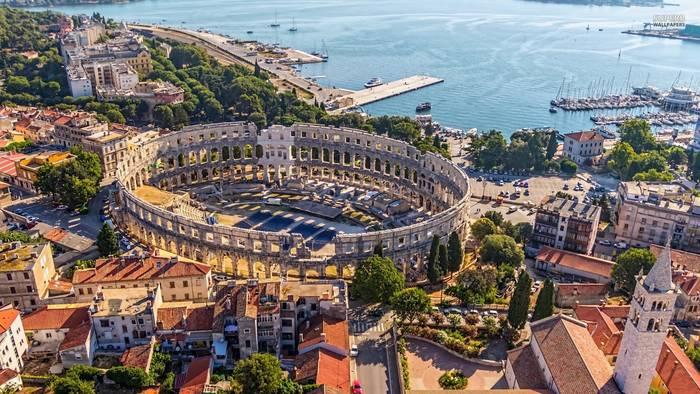 Древний амфитеатр в городе Пула, Хорватия. Скоро снова откроют для туристов