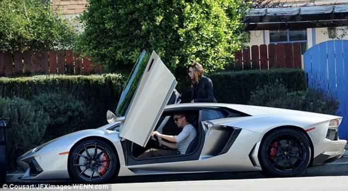 Lamborghini Gallardo у Дэвида был в белоснежном цвете