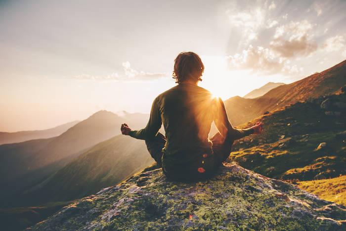 Достали — представь, что ты не здесь, а на склоне горы, сидишь в позе лотоса