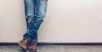 Как правильно сделать дырки в джинсах: мужская инструкция