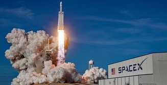 Космическая одиссея Илона Маска: как SpaceX впервые отправила астронавтов на МКС (ФОТО)