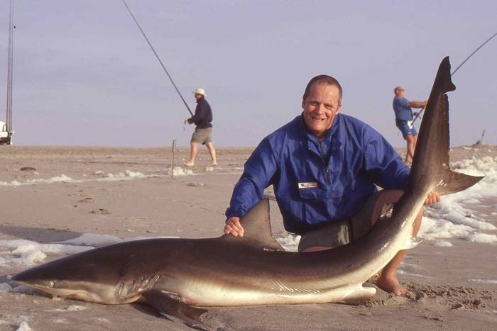 Рыбалка на акул в Намибии - трофейная, придется рыбку отпустить