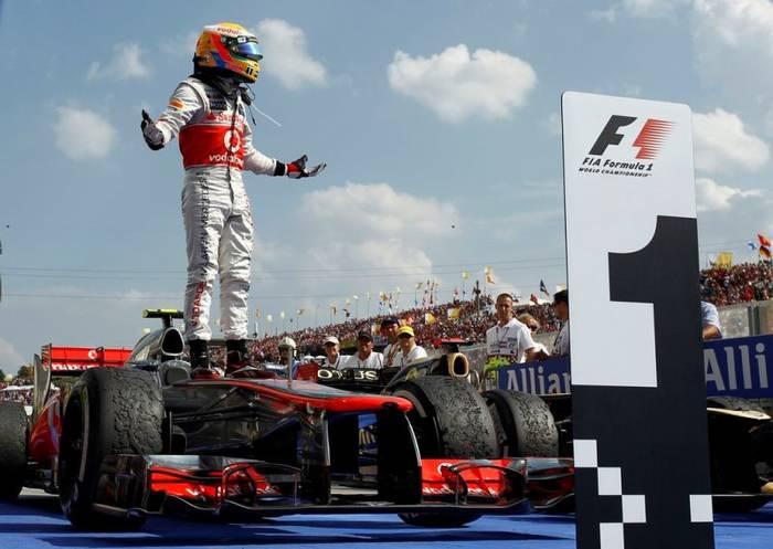 Формула-1 всегда манит поклонников большой скорости