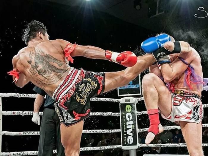 Соревнования по тайскому боксу - это тебе не реслинг