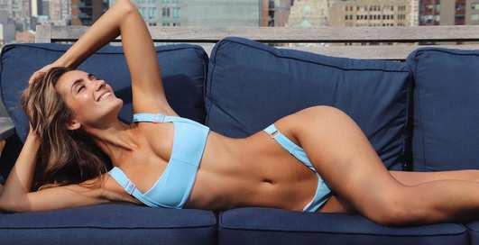Красотка дня: горячая бразильская бикини-модель Присцилла Рикарт
