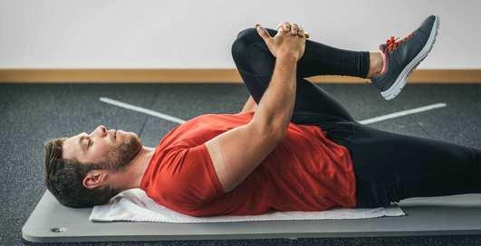 Как быстро избавиться от боли в спине: 4 простых упражнения