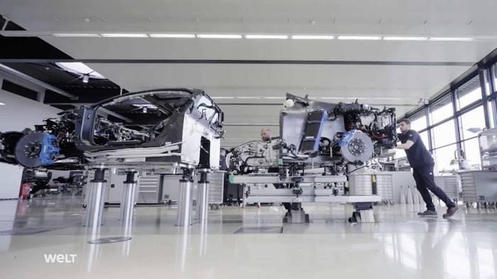Вот так собирают Bugatti Chiron (кадры из документального фильма)