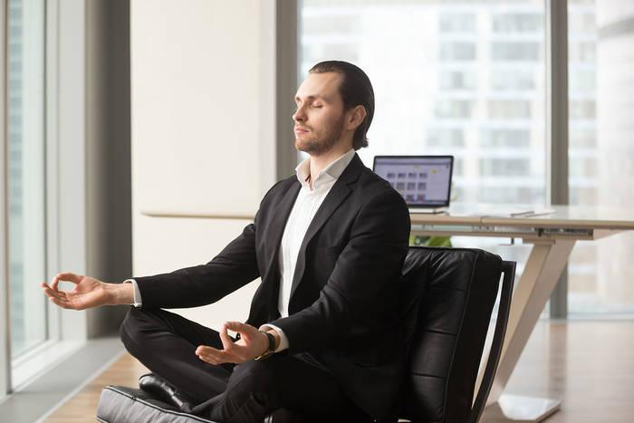 Как быстро успокоиться — глубоко вдохни и займись медитацией