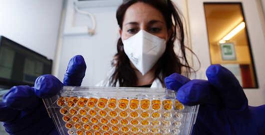 Догнать и перегнать: какие страны получат вакцину от коронавируса первыми