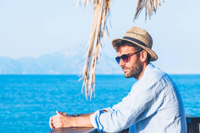 Как защитить голову от ультрафиолета — носи шляпу