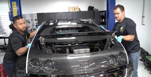Долго, дорого и сложно: как меняют масло в Bugatti Veyron