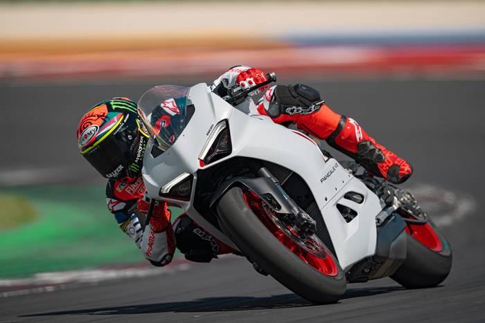 "Ducati Panigale V2 в уникальных цветах ""Star White Silk"""