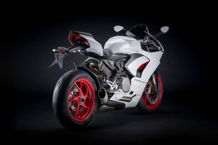 Шасси Ducati Panigale V2 — монококовая карбоновая рама от V4