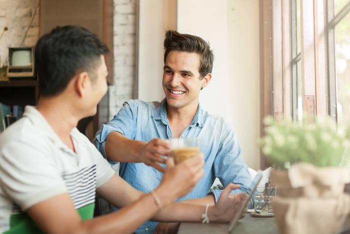 «Плавятся мозги» — сходи с товарищем на кофе