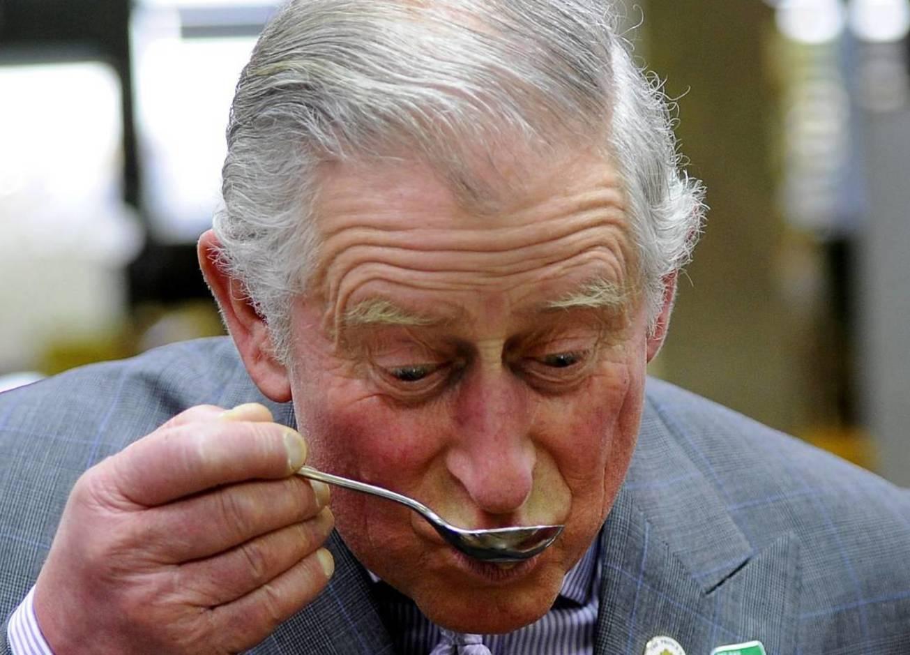 Стейки, фастфуд и салаты: что едят знаменитые мужчины на обед