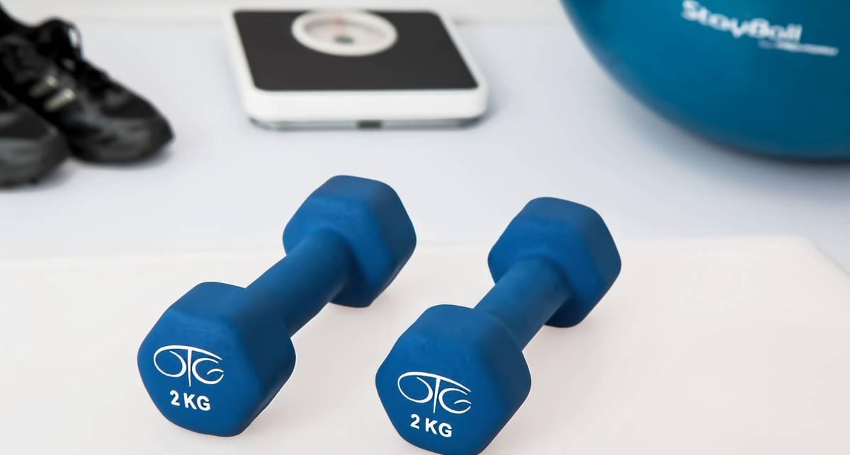Как заниматься спортом дома: самые эффективные упражнения