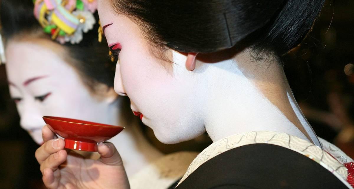 День саке: как правильно выпить по-японски