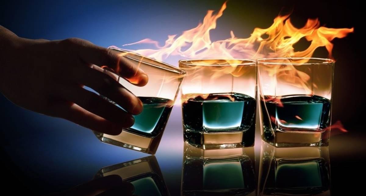 Горят синим пламенем: ТОП-5 коктейлей с огнем