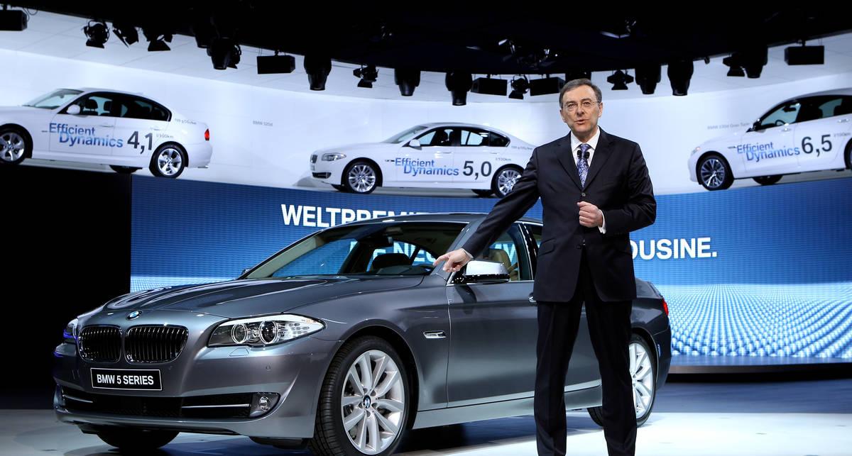 BMW 5-Series поможет водителю проехать перекресток