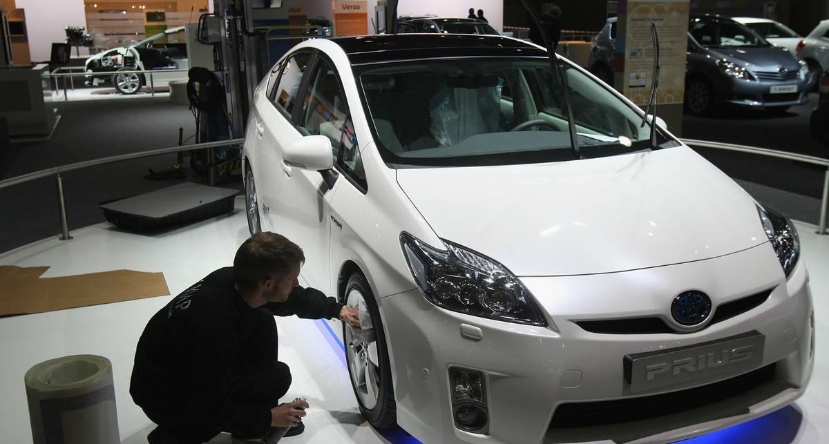 Toyota объединит автомобили в соцсети