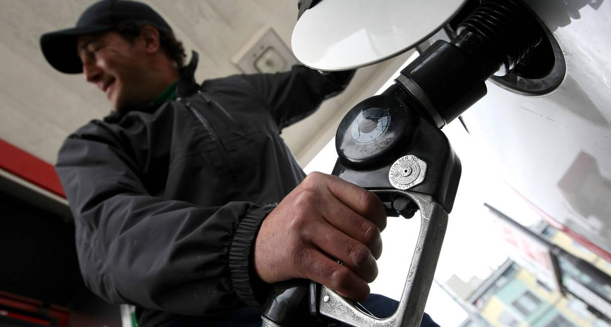 Цены на бензин пугают европейских туристов