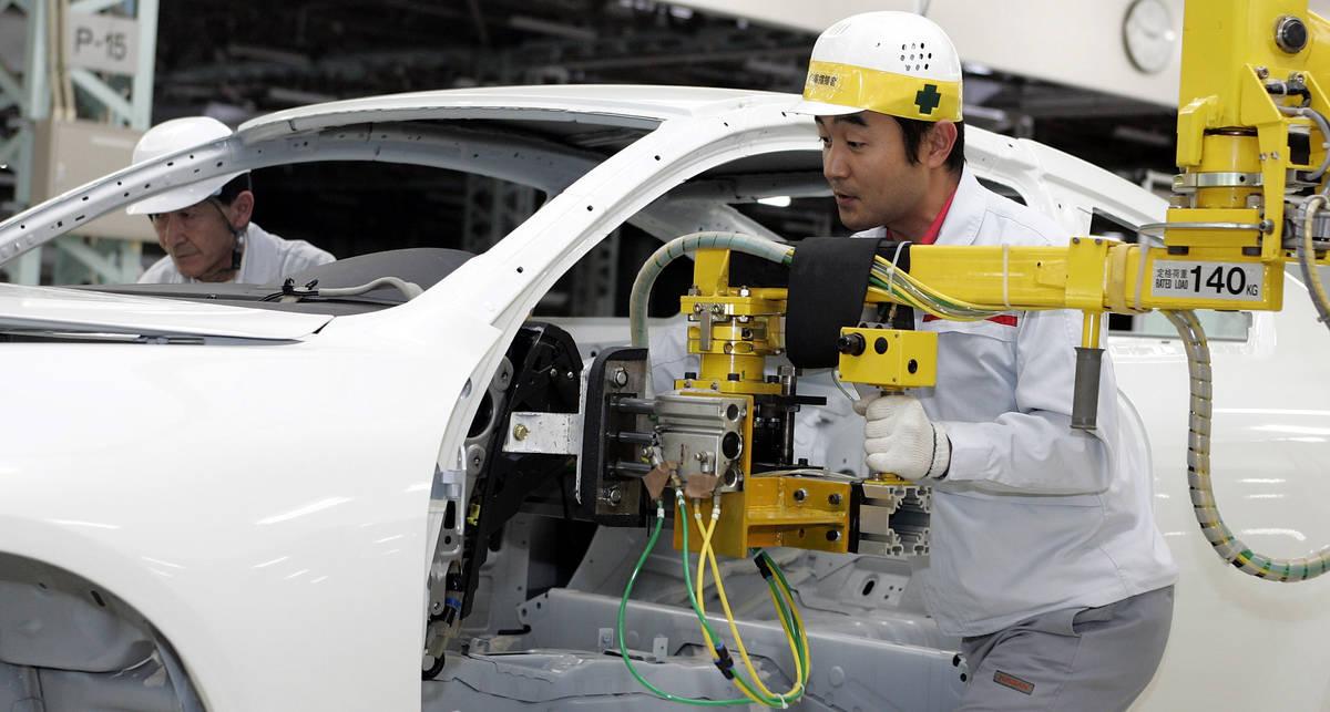 Nissan разбросает производство по всему миру