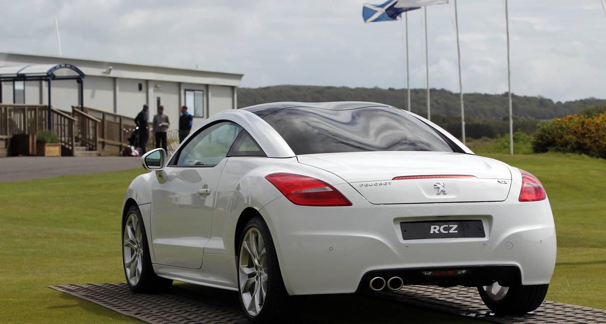 Peugeot выпустил 30 тыс. купе RCZ.