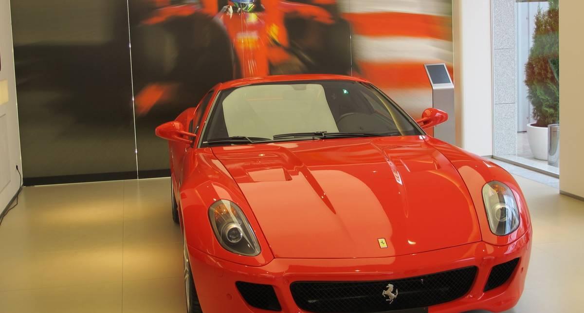 Первый автосалон Ferrari в Киеве и паника европейцев
