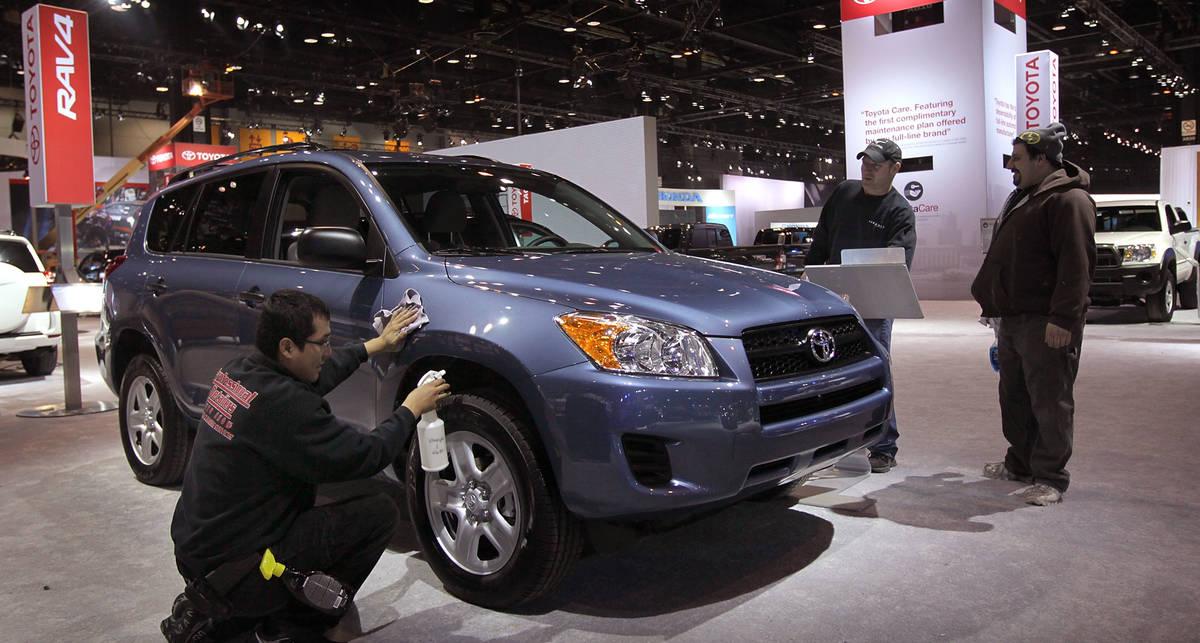 У Toyota будет небольшой гибридный кроссовер