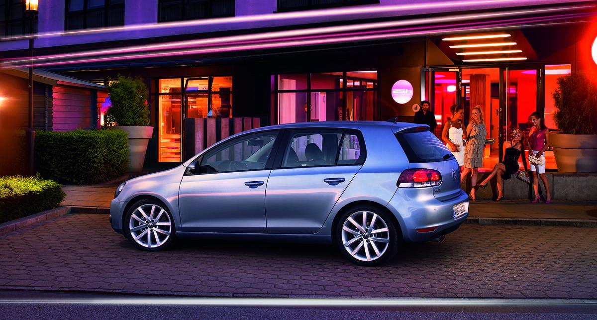 Volkswagen Golf возглавил хит-парад автопродаж Европы