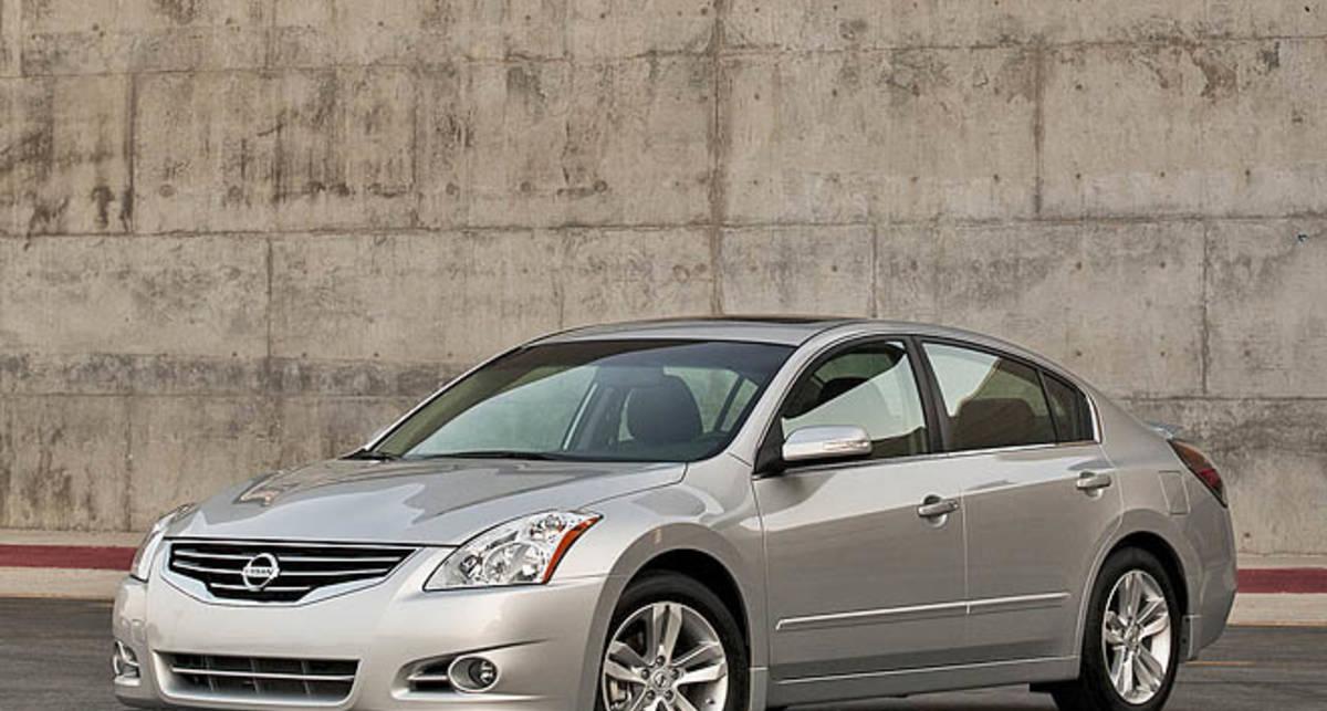 Nissan отзывает 20 тыс. седанов Altima