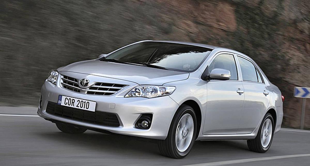 Toyota отзывает 33 тыс. автомобилей из-за дефектных двигателей