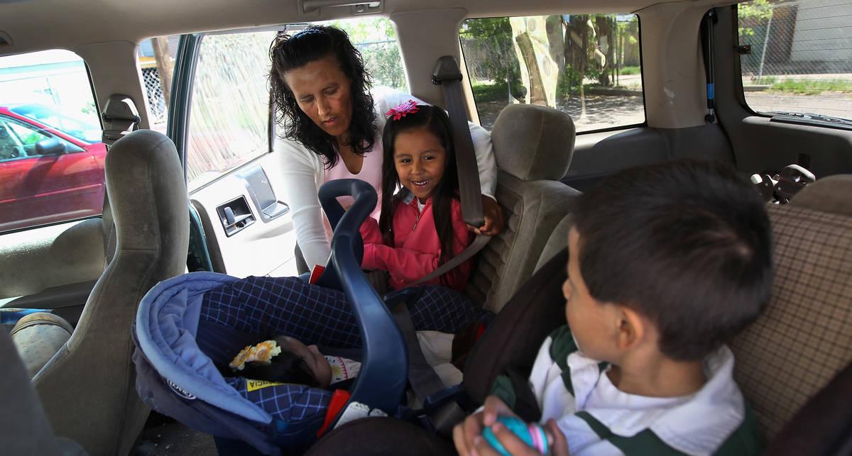 Бабушки и дедушки дают фору молодым водителям