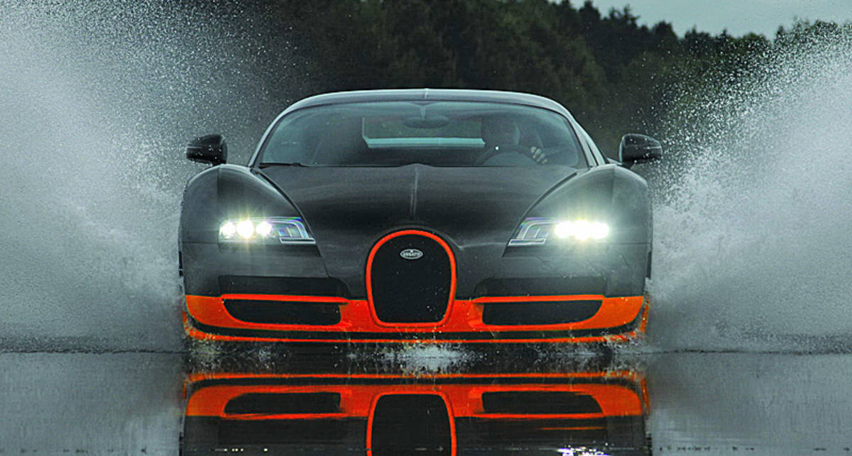 Bugatti Veyron Super Sport - лучший подарок для футболистов