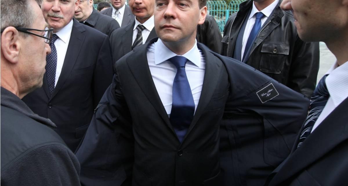 Медведев застрял в пробке в центре Москвы