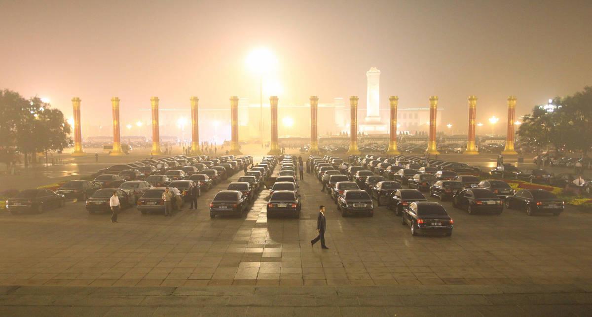 Чиновники Китая просадили на служебные машины $1 млрд.