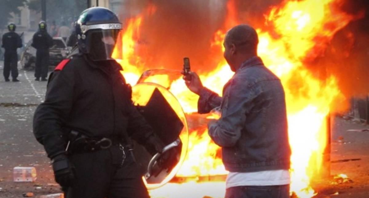 Blackberry помогает организовывать беспорядки в Лондоне