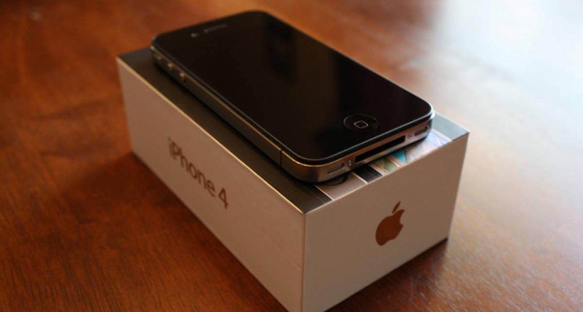 В США в продажу поступил iPhone 4 без привязки к оператору