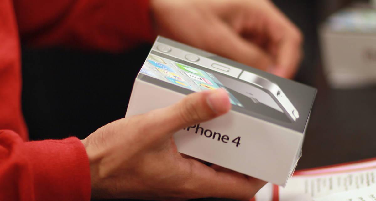 Продажи iPhone догоняют Android-смартфоны