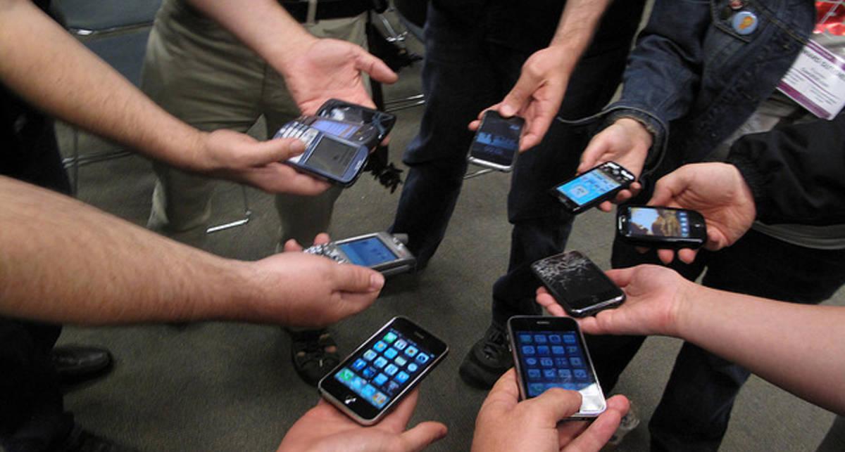В Бельгии будут маркировать мобильные телефоны по мощности излучения