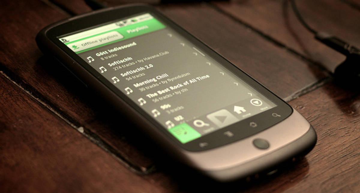 Facebook совместно с  Spotify запускает музыкальный сервис